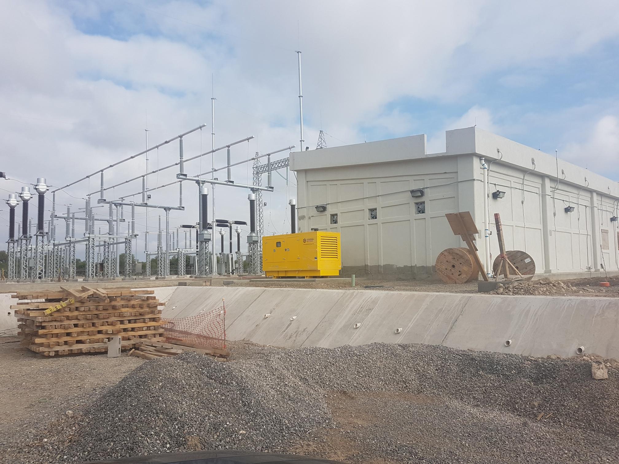 Grupo electrógeno instalado en la central fotovoltaica